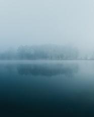朦朧意境湖泊風景圖片