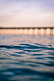 藍色大海海水美景圖片