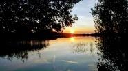 唯美日落湖泊風景圖片