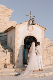 新郎新郎婚紗照背影圖片
