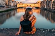 城市旅行美女圖片