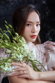 中國氣質美女寫真圖片