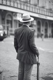 歐美黑白紳士老人背影圖片
