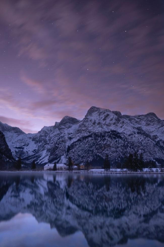 湖泊倒影唯美意境圖片