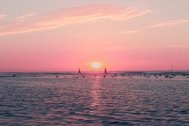 粉色大海唯美意境圖片